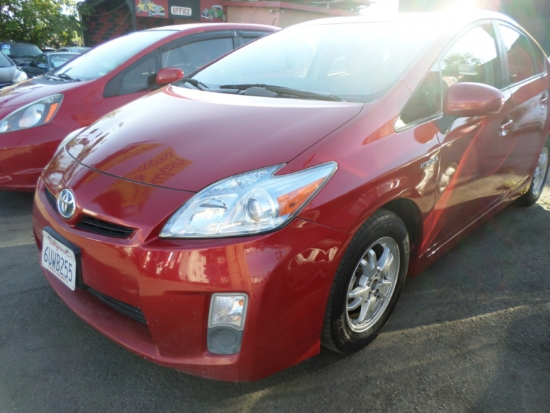 Toyota Prius 2010 price $7,950