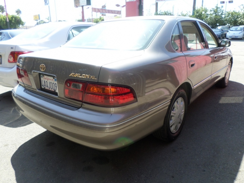 Toyota Avalon 1998 price $4,450