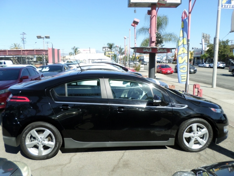 Chevrolet Volt 2013 price $10,950