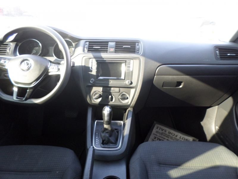 Volkswagen Jetta Sedan 2016 price $9,950
