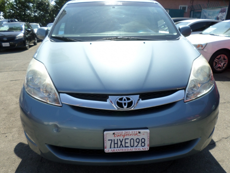 Toyota Sienna 2006 price $8,950