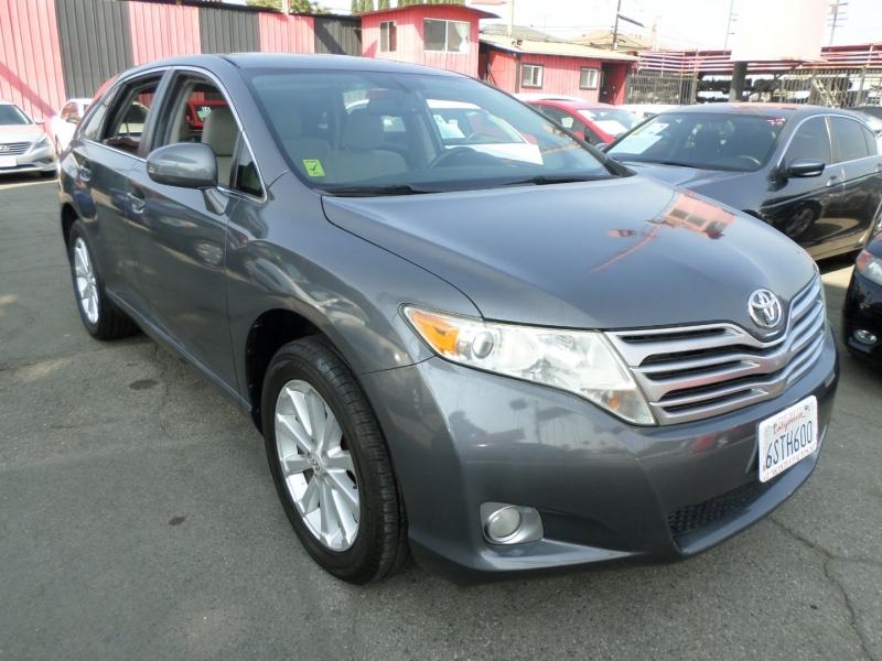 Toyota Venza 2011 price $9,950