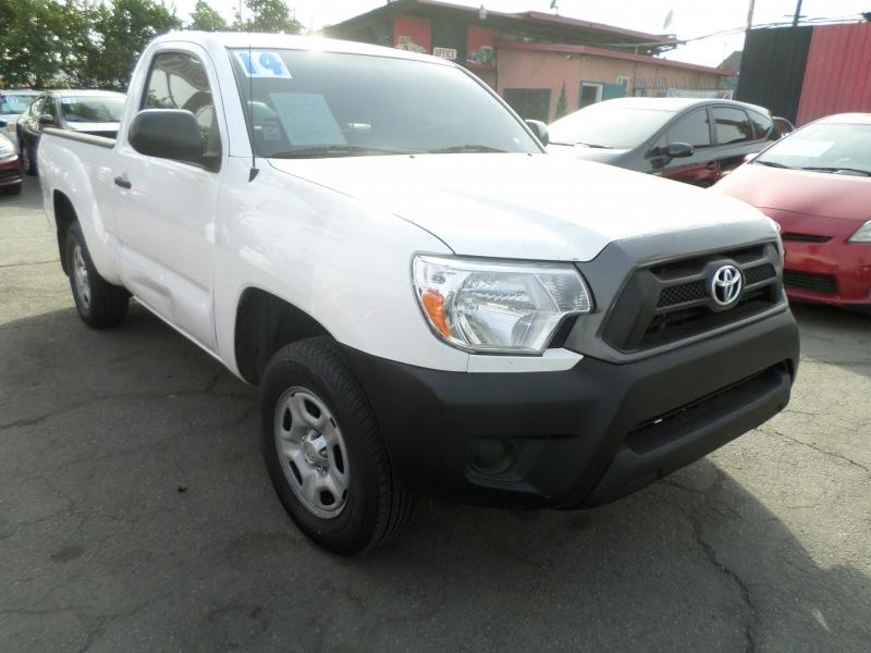 Toyota Tacoma 2014 price $10,950