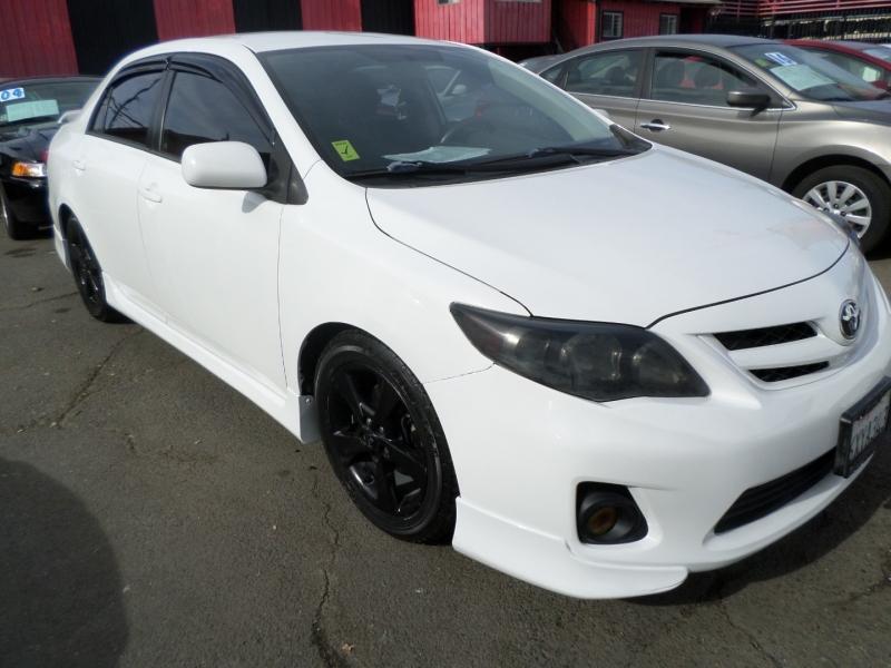 Toyota Corolla 2013 price $8,950