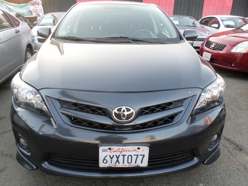 Toyota Corolla 2013 price $9,950