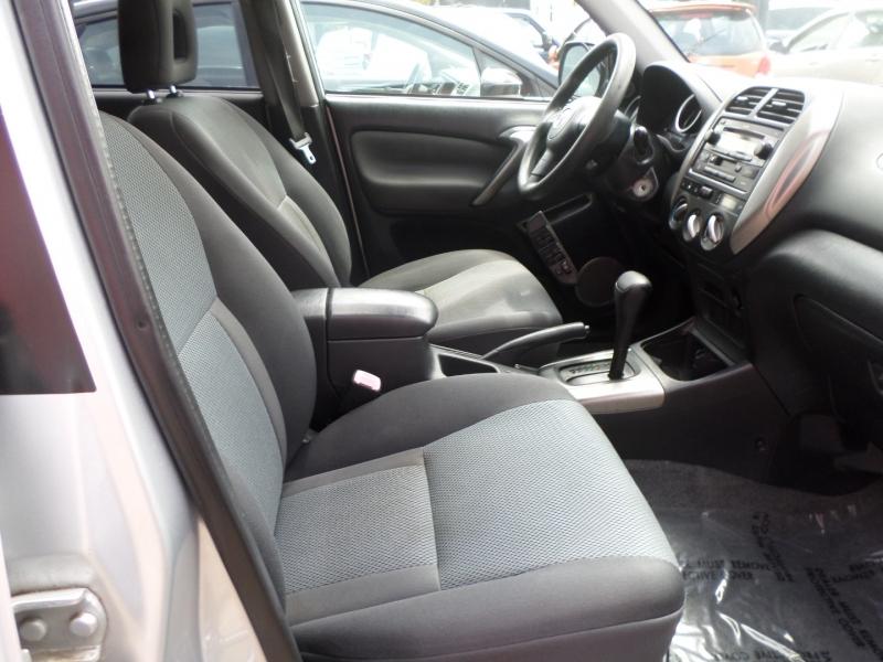 Toyota RAV4 2004 price $7,950