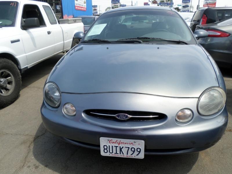 Ford Taurus 1999 price $2,750