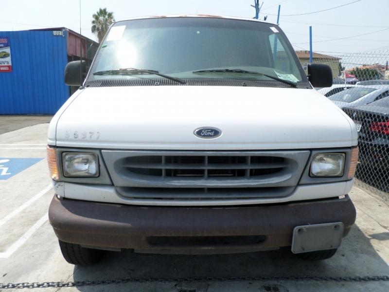 Ford Econoline Cargo Van 2001 price $7,950
