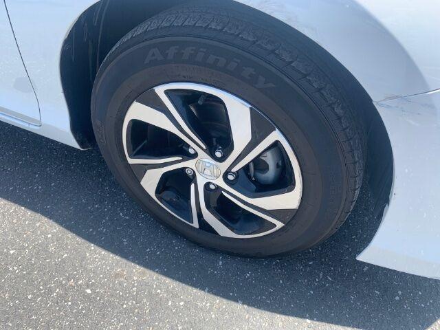 Honda Accord 2017 price $18,800