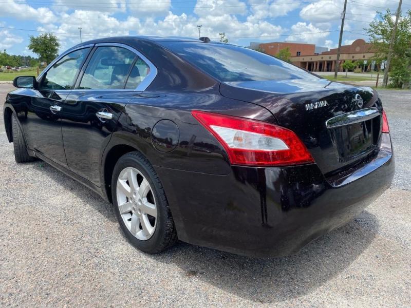 Nissan Maxima 2010 price $8,795