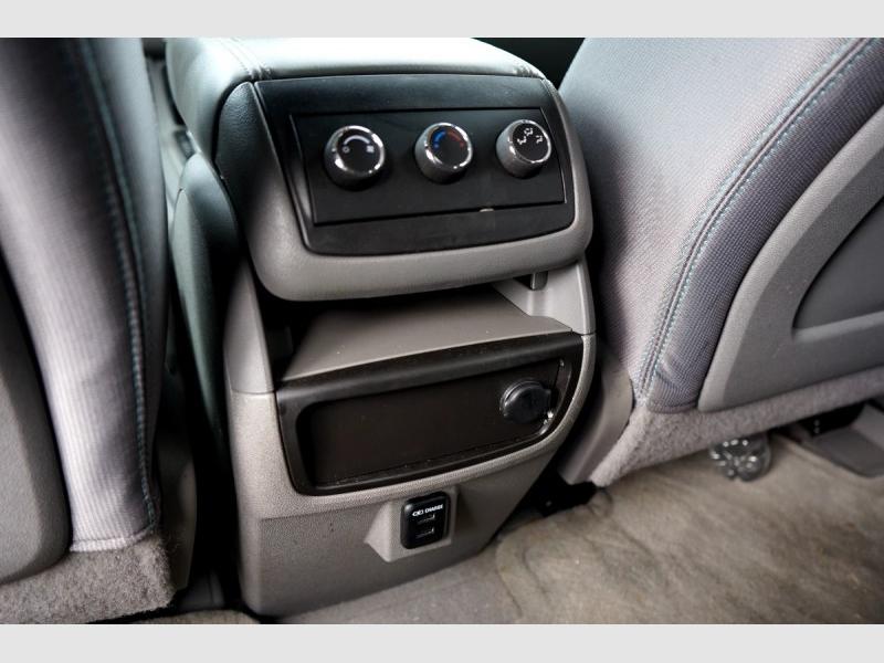 Chevrolet Traverse 2015 price $12,895
