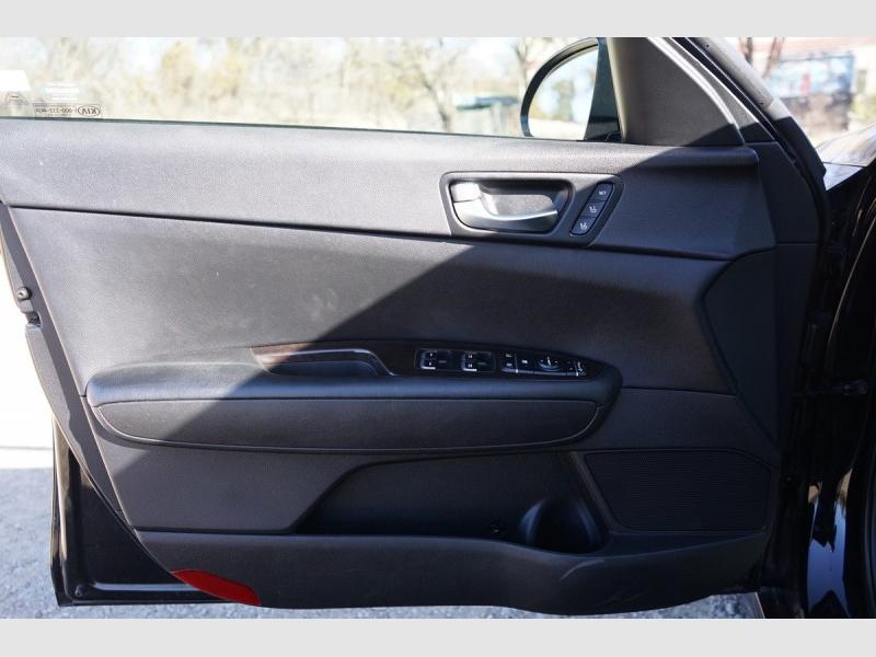 Kia Optima 2016 price $15,995