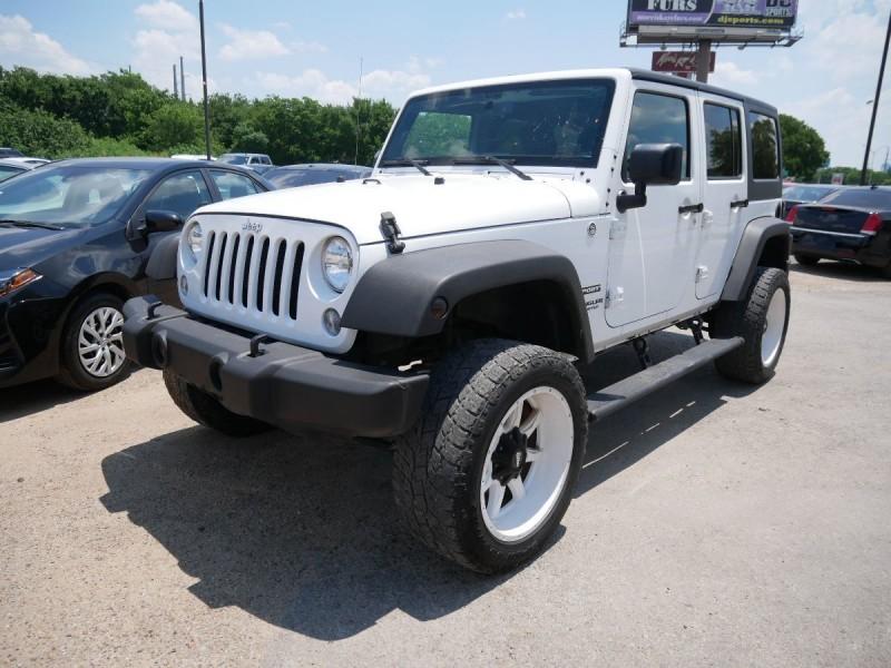 Jeep Wrangler Unlimited 2015 price $31,995