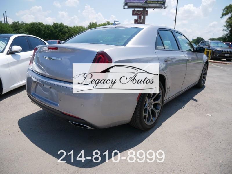 Chrysler 300 2018 price $29,995
