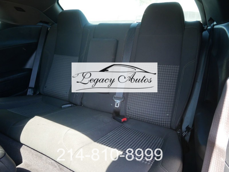 Dodge Challenger 2018 price $32,995