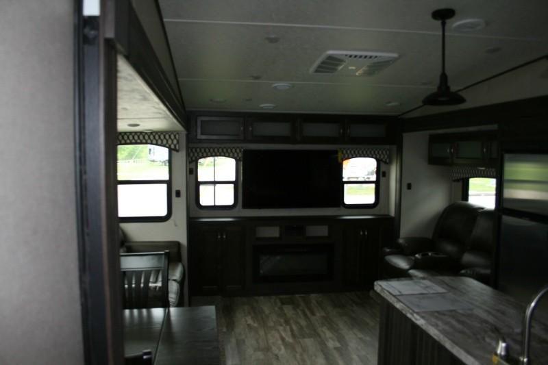 Forest River Shasta Phoenix 30BH 2020 price $37,685