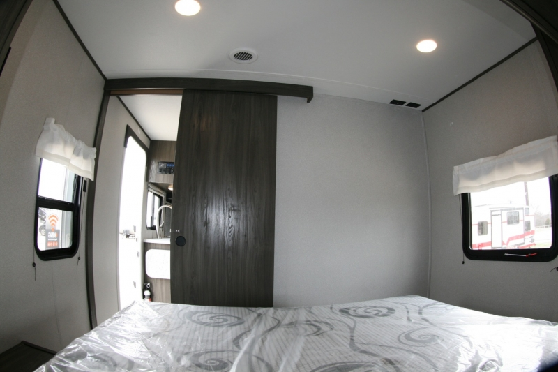 Forest River Shasta 25RB 2021 price $25,485