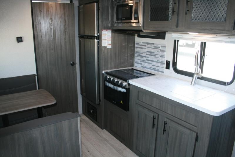 Forest River Shasta 18FQ 2021 price $18,985