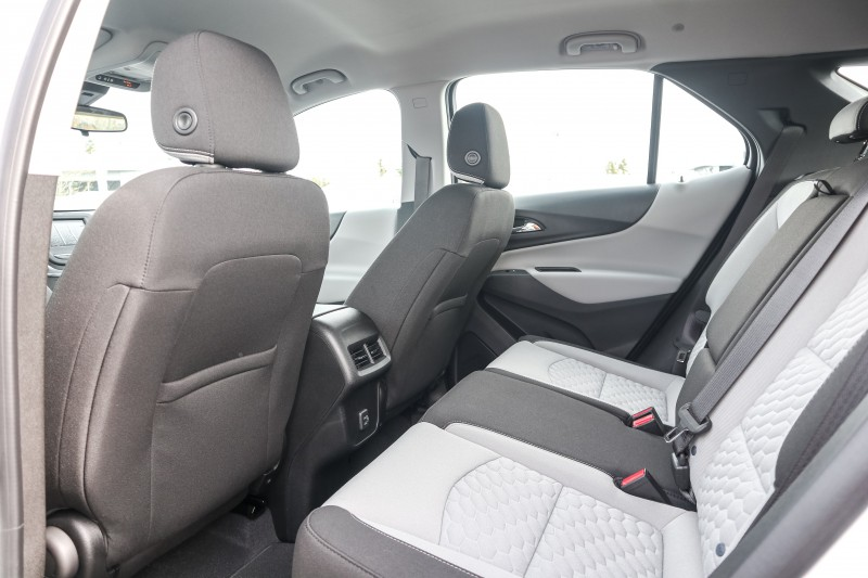 Chevrolet Equinox 2020 price $29,713