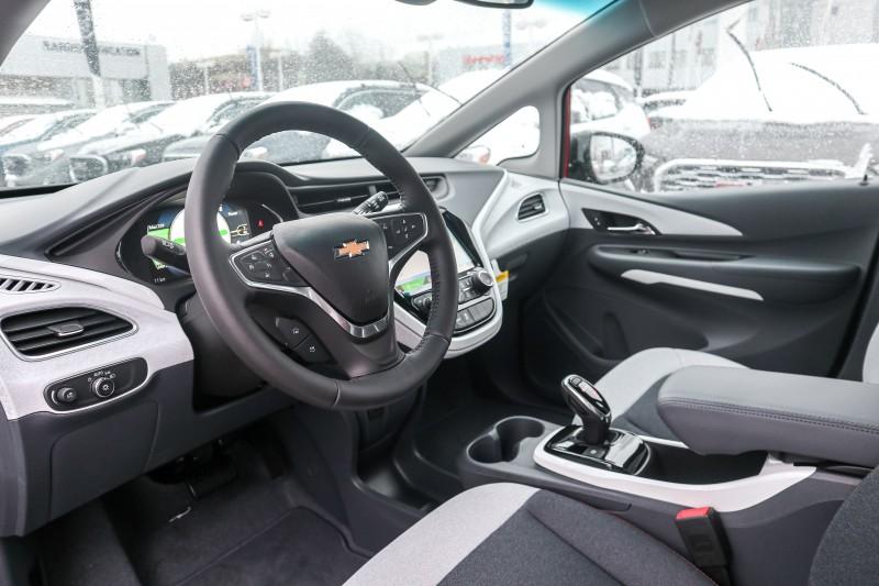 Chevrolet Bolt EV 2019 price $43,877