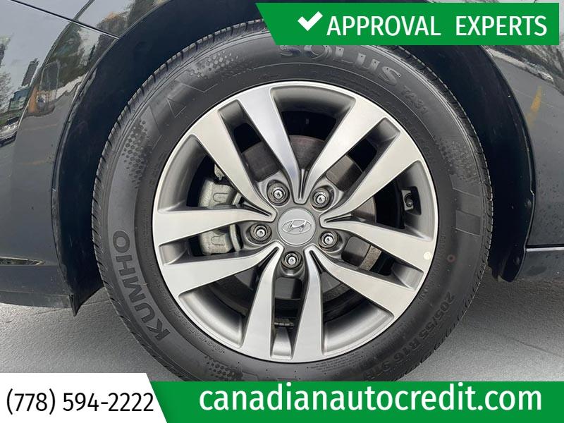 Hyundai Elantra GT 2019 price $21,988