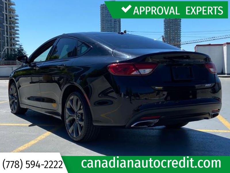 Chrysler 200 2015 price $15,988