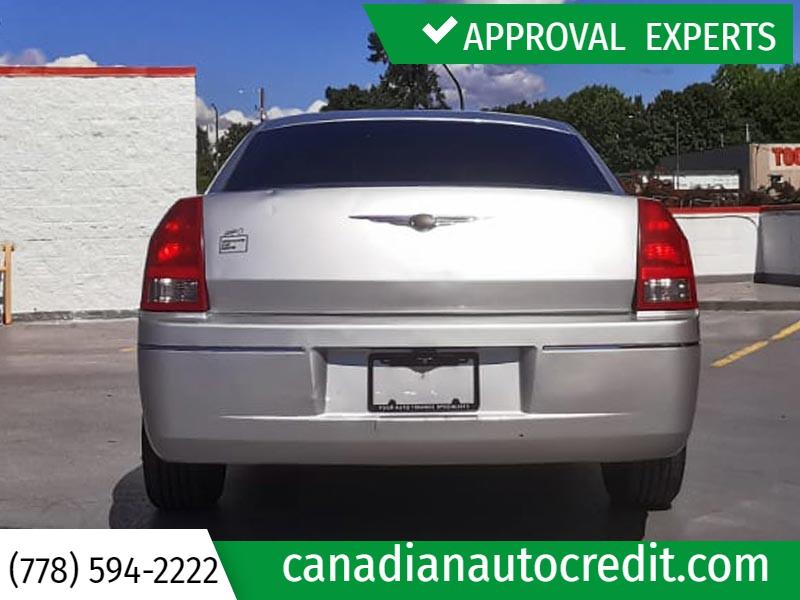 Chrysler 300 2006 price $4,988