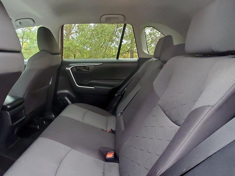 Toyota RAV4 2020 price $33,988