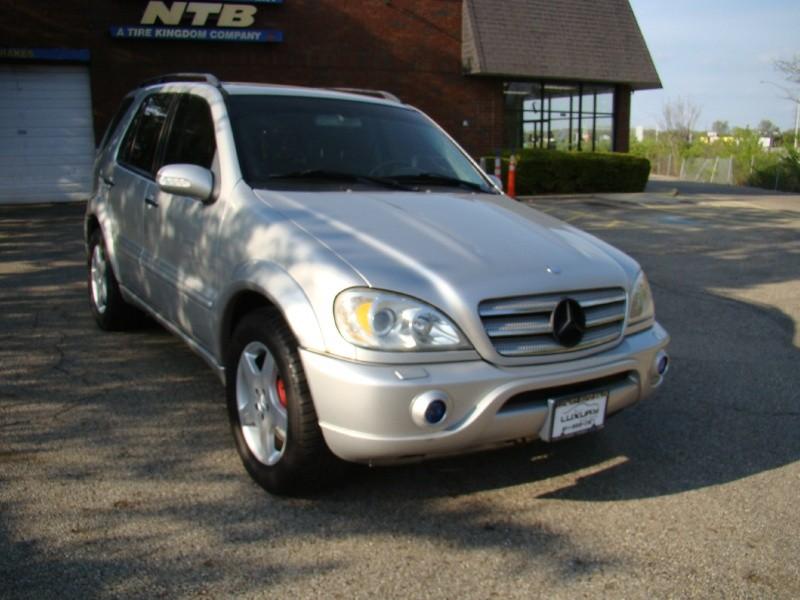 Mercedes-Benz M-Class 2002 price $8,995