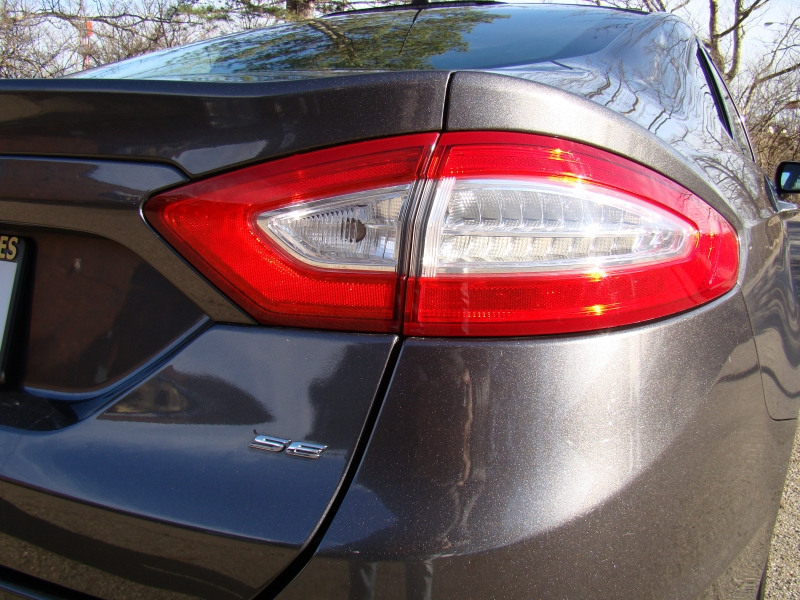 Ford Fusion 2016 price $15,679