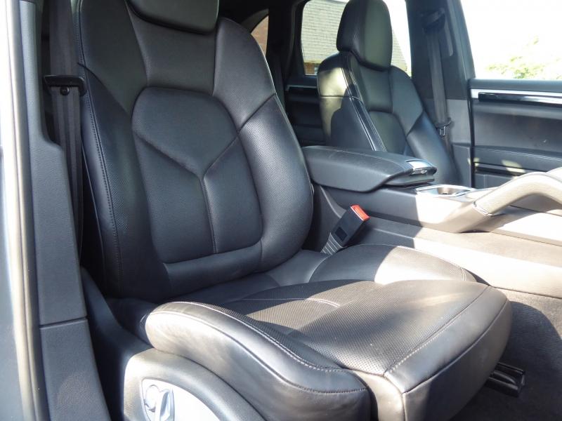 Porsche Cayenne 2014 price $42,995