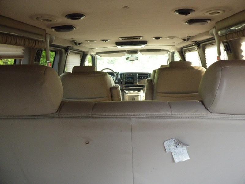 GMC Savana Passenger 2007 price $16,992