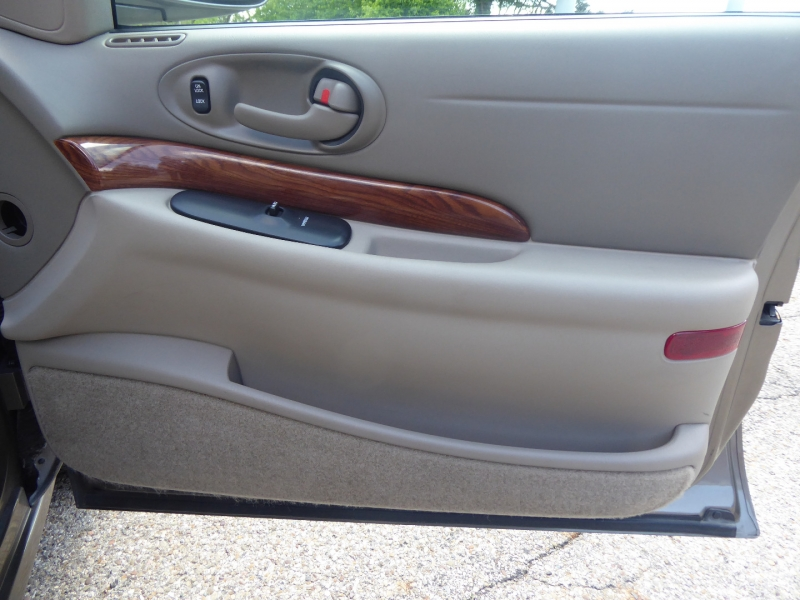 Buick LeSabre 2002 price $5,995