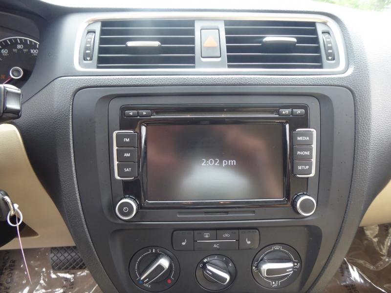 Volkswagen Jetta Sedan 2012 price $10,995