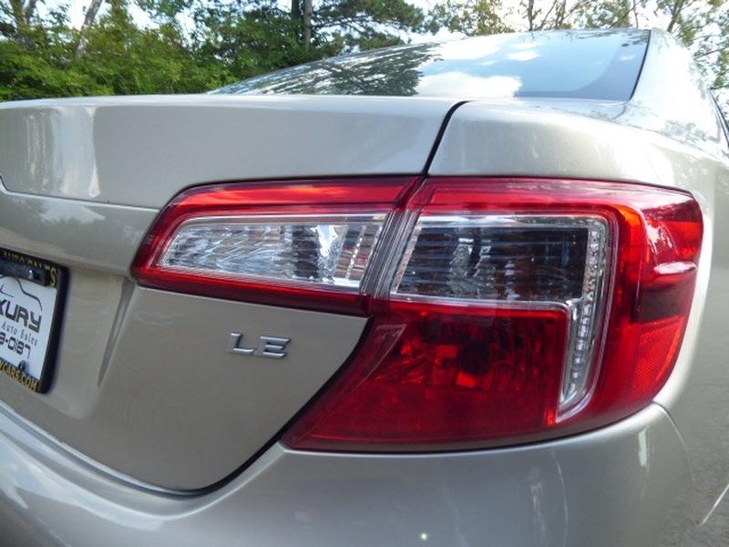 Toyota Camry 2014 price $11,971