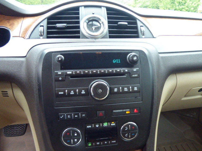 Buick Enclave 2011 price $10,836