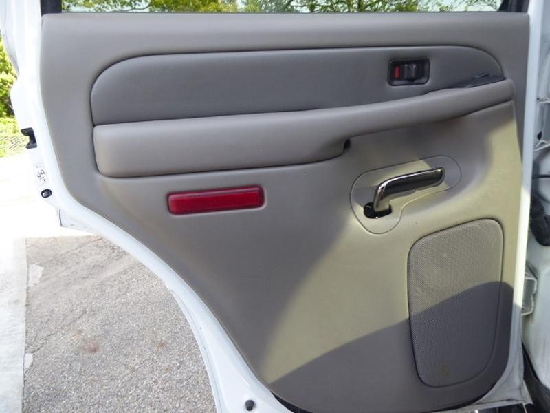 GMC Yukon 2004 price $9,604