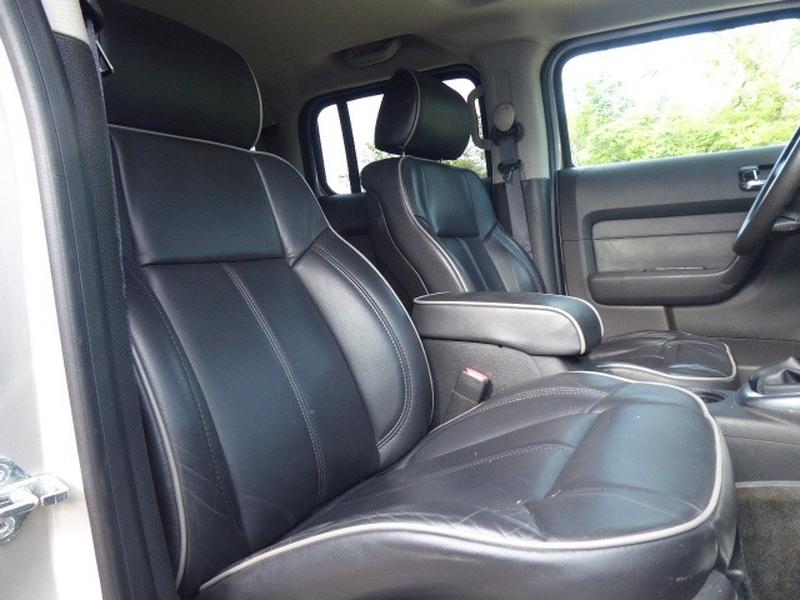 Hummer H3 2006 price $13,995