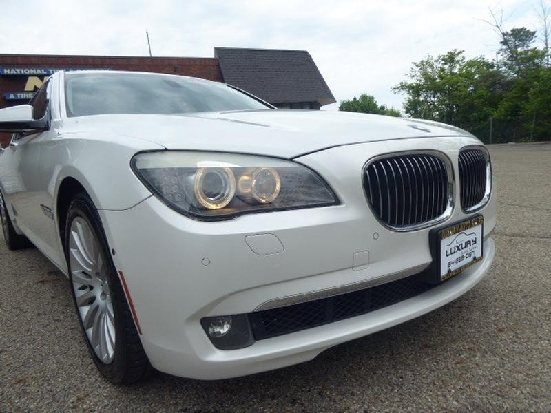 BMW 7-Series 2010 price $21,971