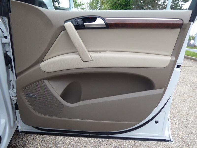 Audi Q7 2013 price $24,866