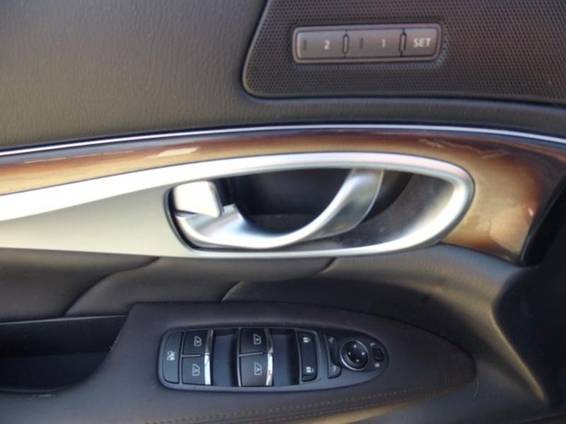 Infiniti M 37 2011 price $14,995