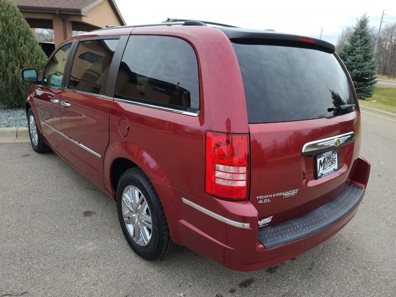 Chrysler Town and Country 2010 price $5,995