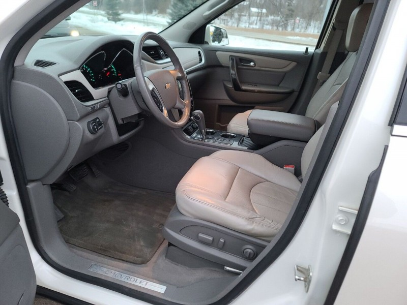 Chevrolet Traverse 2015 price $17,995