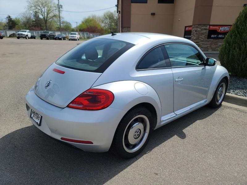 Volkswagen Beetle 2013 price $6,495