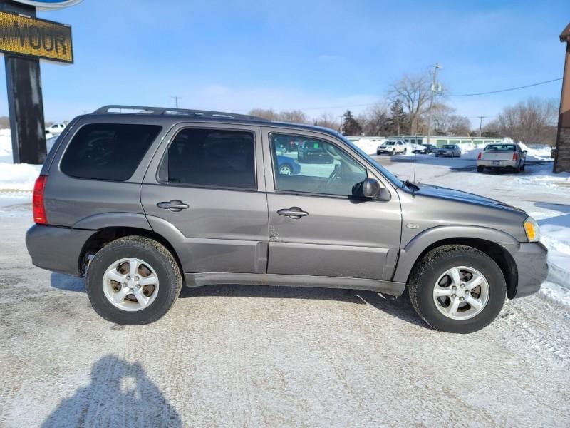Mazda Tribute 2005 price $3,195
