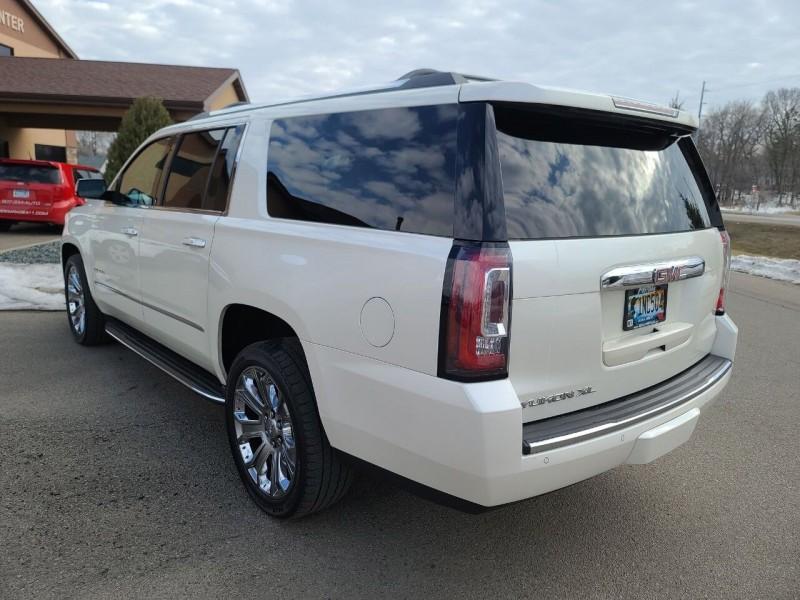 GMC Yukon XL 2015 price $31,995