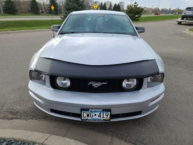 Ford Mustang 2006 price $11,995