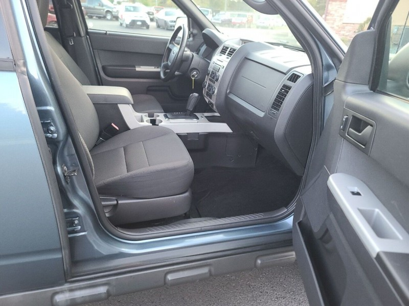 Ford Escape 2011 price $6,995