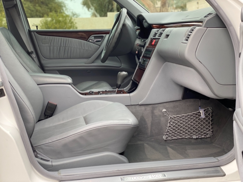 Mercedes-Benz E-Class 2000 price $7,700