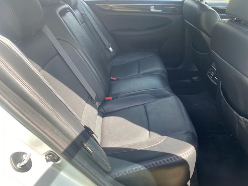 Hyundai Genesis 2013 price $8,000
